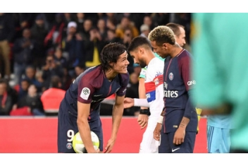 Dugarry: Neymar can't become the boss of PSG because of his high price